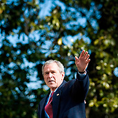 United States President George W. Bush walks from Marine One to the White House February 3, 2008 in Washington, DC.  President Bush spent the weekend at the presidential retreat Camp David in Maryland. <br /> Credit: Brendan Smialowski / Pool via CNP