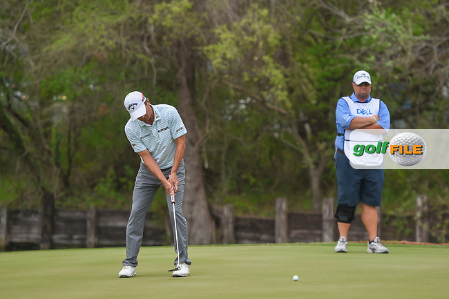 Kevin Kisner (USA) watches his putt on 12 during day 5 of the World Golf Championships, Dell Match Play, Austin Country Club, Austin, Texas. 3/25/2018.<br /> Picture: Golffile | Ken Murray<br /> <br /> <br /> All photo usage must carry mandatory copyright credit (© Golffile | Ken Murray)