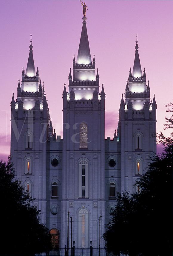 mormons, temple, Salt Lake City, UT, Utah, Mormon Temple in Salt Lake City at sunset. The Church of Jesus Christ of Latter-day Saints.