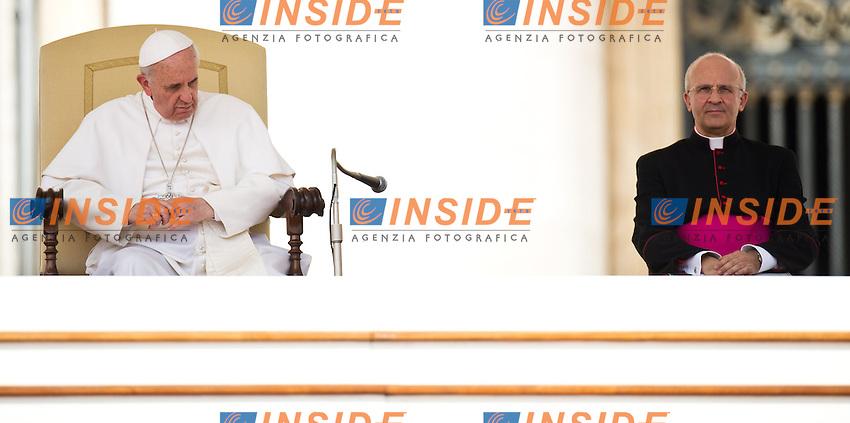 Papa Francesco - Pope Francis e don Alfred Xuereb.Citta' del Vaticano 01/05/2013 Piazza San Pietro .General audience - Udienza Generale.Foto Andrea Staccioli Insidefoto