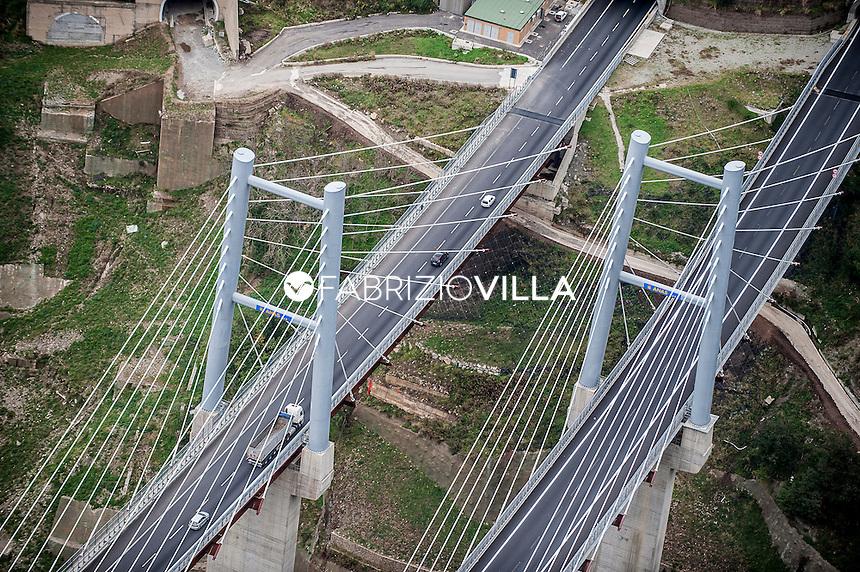 Dicembre 2016 L'autostrada Salerno Reggio Calabria libera dai cantieri si potrà percorrere senza interruzioni.