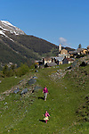 Village de Saint-V&eacute;ran souvent qualifi&eacute; de  plus haute commune de France ou d'Europe situ&eacute; &agrave; 2042 m d'altitude.<br /> Saint V&eacute;ran village. At the altitude of 2042 m, this village is said to be the highest in France and Europe