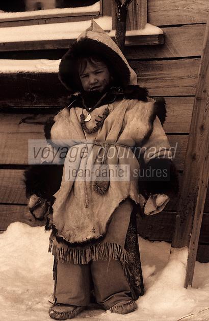 Amérique/Amérique du Nord/Canada/Quebec/Fjord du Saguenay : Site archéologique de Robe Noire - Village Huron (amérindiens) - Anouka Tremblay indienne  [Autorisation : 209]