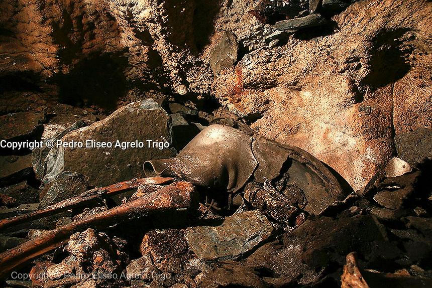 Memoria Historica. <br /> cova de Arcoia en O Courel, Lugo<br /> fecha:16-06-09<br /> foto: &copy;pedro agrelo