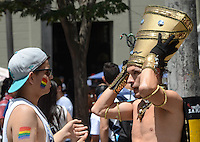 MEDELLÍN -COLOMBIA. 28-06-2015: Participantes de la Marcha LGBTI 2015 se congregaron en el centro de Medellín, Colombia, hoy 28 de junio de 2015./ Participants march in the Gay Pride Parade 2015 on June 28, 2015 at Medellin, Colombia streets. Photo: VizzorImage/ León Monsalve / Cont