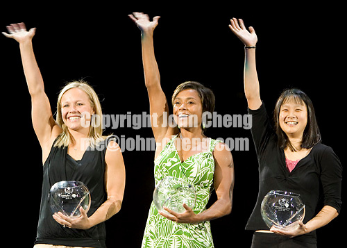 8/19/06 -- Photo by John Cheng -- VISA Championships Women Sr - Awards