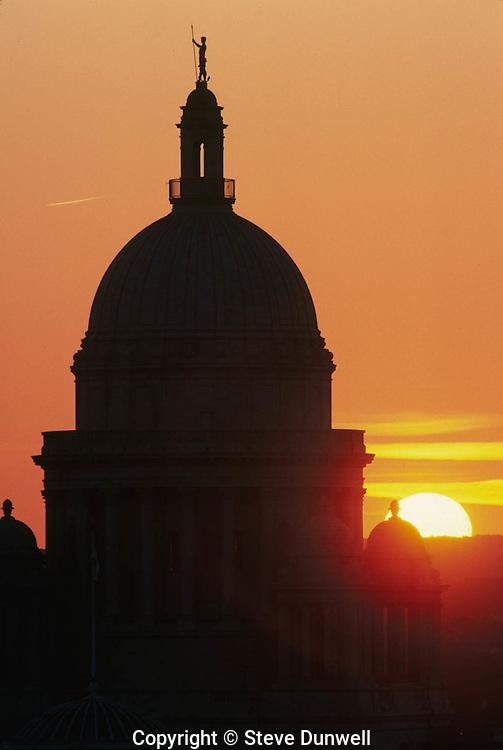Statehouse sunset, Providence, RI
