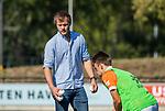 UTRECHT - assistent-coach Damien van der Peet (Bldaal)   tijdens de hoofdklasse competitiewedstrijd mannen, Kampong-Bloemendaal (2-2) . COPYRIGHT   KOEN SUYK