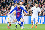 Lionel Andres Messi of FC Barcelona (C) in action during the UEFA Champions League 2017-18 quarter-finals (1st leg) match between FC Barcelona and AS Roma at Camp Nou on 05 April 2018 in Barcelona, Spain. Photo by Vicens Gimenez / Power Sport Images