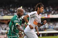 SÃO PAULO, SP, 13 DE MAIO DE 2012 - FINAL DO CAMPEONATO PAULISTA - SANTOS x GUARANI: Neymar (d) e Domingos (e) durante Santos x Guarani, segunda partida da final do Campeonato Paulista no Estádio do Morumbi. FOTO: LEVI BIANCO - BRAZIL PHOTO PRESS