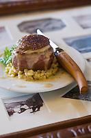 Europe/France/73/Savoie/Val d'Isère:  Noix de veau au beurre mousseux, risotto crémeux de blé, sauce au bleu de Bonneval, recette de Benoit Brunet du restaurant: L' Atelier d'Edmond