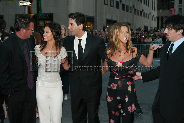 MATTHEW PERRY, COURTNEY COX , DAVID SCHWIMMER , .JENNIFER ANISTON  and MATT LeBLANC.( FRIENDS ).NBC 75th Anniversary Gala.30 Rockefeller Plaza.New York City.May 5, 2002.Credit All Uses.© Walter McBride / , USA