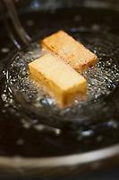 Europe/France/Bretagne/29/Finistère/Plomodiern: Cuisson des grosses frites coulantes, recette d' Olivier Bellin de l'Auberge des Glazicks