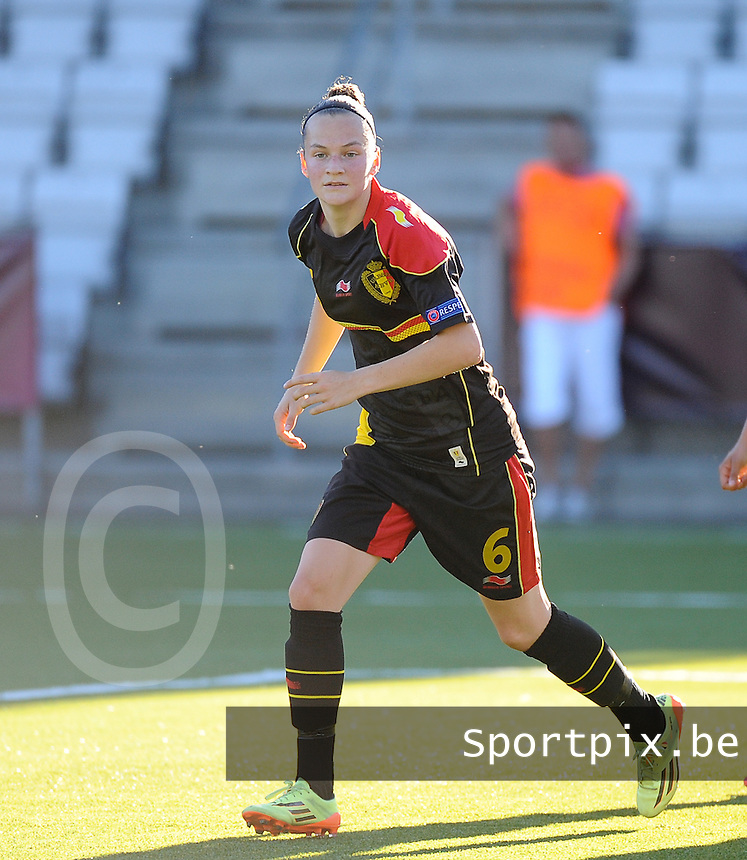 20140718 - Tonsberg , NORWAY : Belgian Elke Van Gorp pictured during the female soccer match between Women under 19 teams of Norway and Belgium , on the second matchday in group A of the UEFA Women Under19 European Championship at Tonsberg Stadion , Norway . Friday 18th July 2014 . PHOTO DAVID CATRY