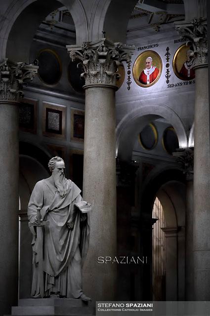 Satue Saint Paul.Pope Francis Celebration of the second vespers of Saint Paul basilica in Rome. January 25, 2016