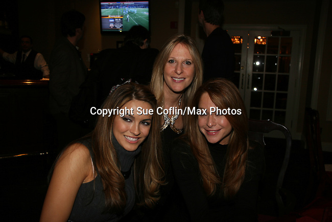 Chrishell Stause - Marcia Tovsky - Jamie Luner at a benefit for American Lung Association on December 6, 2009 at Mezza on the Green at the Lawrence Country Club. (Photos by Sue Coflin/Max Photos)