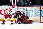Stockholm 2013-12-28 Ishockey Hockeyallsvenskan Djurg&aring;rdens IF - Almtuna IS :  <br /> Djurg&aring;rden m&aring;lvakt Johan Mattsson r&auml;ddar en straff i straffl&auml;ggningen efter ordinarie matchtid<br /> (Foto: Kenta J&ouml;nsson) Nyckelord: