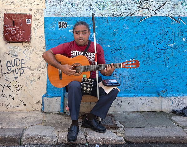 Playing for tourists and money, La Habana Vieja