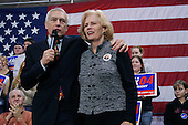 New England College.Henniker, New Hampshire.January 25, 2004..Democratic presidential contender General Wesley Clark and his wife Gert at a rally at New England College.