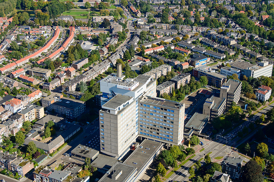 Nederland, Gelderland, Arnhem, 30-09-2015; Oost-Arnhem, Klarendal. Kantoor van ING Bank aan de Velperweg.<br /> Arnhem East with office building ING.<br /> luchtfoto (toeslag op standard tarieven);<br /> aerial photo (additional fee required);<br /> copyright foto/photo Siebe Swart