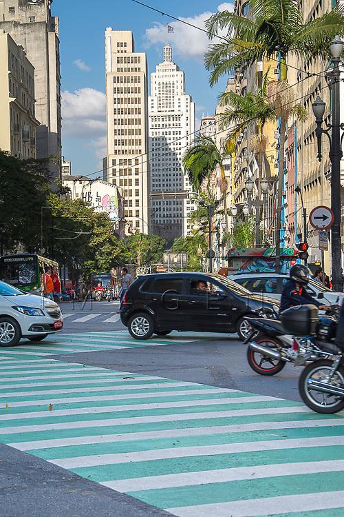 Avenida Ipiranga ao fundo Edifício Altino Arantes, São Paulo - SP, 07/2016.