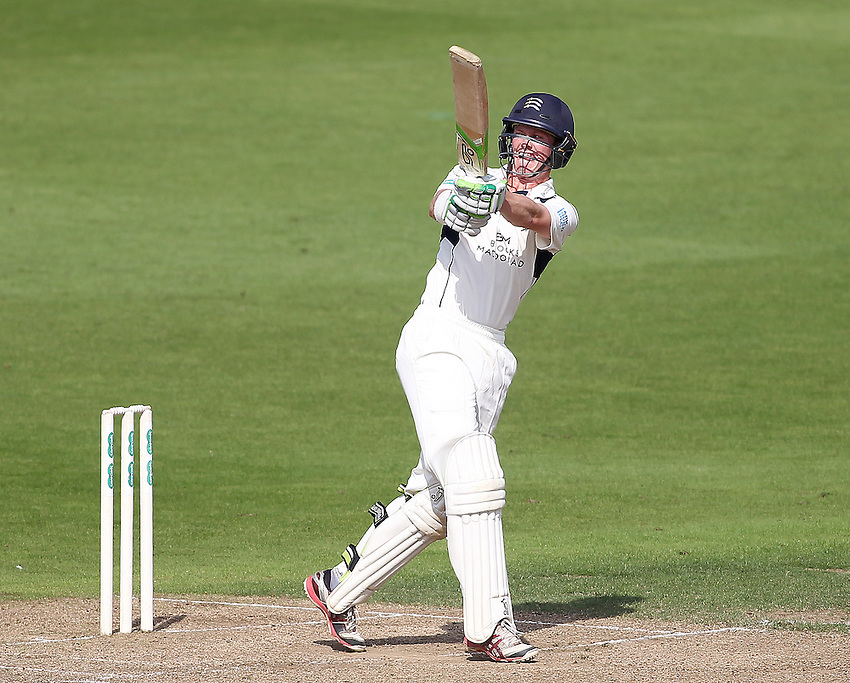 Middlesex's Nick Gubbins<br /> <br /> Photographer Mick Walker/CameraSport<br /> <br /> County Cricket - Specsavers County Championship Division One - Day 2 - Nottinghamshire v Middlesex - Wednesday 7 September 2016 - Trent Bridge - Nottingham<br /> <br /> World Copyright &copy; 2016 CameraSport. All rights reserved. 43 Linden Ave. Countesthorpe. Leicester. England. LE8 5PG - Tel: +44 (0) 116 277 4147 - admin@camerasport.com - www.camerasport.com