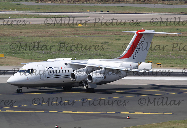 A CityJet Avro RJ85 Registered Number EI-WXA taxiing having landed from Paris Charles de Gaulle Airport at Düsseldorf Airport on 3.8.15.