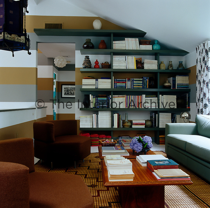 The mezzanine doubles as a study and a more intimate reading room