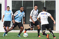 SÃO PAULO, SP, 12.11.2015 - FUTEBOL-CORINTHIANS -  Jogadores do Corinthians durante sessão de treinamento no Centro de Treinamento Joaquim Grava na região leste de São Paulo nesta quinta-feira, 12.  (Foto: Marcos Moraes / Brazil Photo Press)