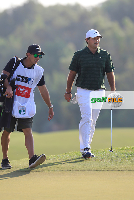Patrick Reed (USA) on the 15th green during the final round of the DP World Tour Championship, Jumeirah Golf Estates, Dubai, United Arab Emirates. 18/11/2018<br /> Picture: Golffile | Fran Caffrey<br /> <br /> <br /> All photo usage must carry mandatory copyright credit (&copy; Golffile | Fran Caffrey)