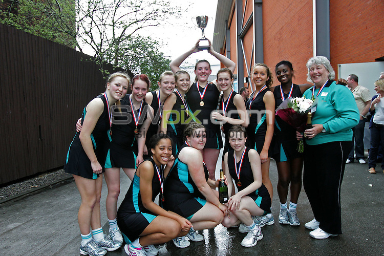 Pix : Jarek Bogdanowicz/SWpix.com 25/04/2010. Netball U 16 under sixteen National Club Finals The Sugden Centre Manchester..copyright picture>>simon wilkinson>>07811 267 706...The team from Parkside celebrate there win