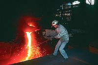 Alto forno da Companhia Siderurgica Nacional - CSN em Volta Redonda, Rio de Janeiro. 1994. Foto de Juca Martins.