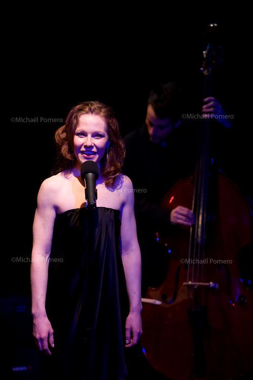 """26.03.2010 ELISA DOUGHTY  concert """"I Wish You Love"""" Théâtre du Tambour Royal<br /> 75011 Paris<br /> Piano:Olivier Yvrard<br /> Contrebasse:Marc Bollengier<br /> Batterie:Gérald Portocallis<br /> Mise en scène:Jean-Daniel Senesi<br /> Chorégraphie:Leslie Dzierla"""
