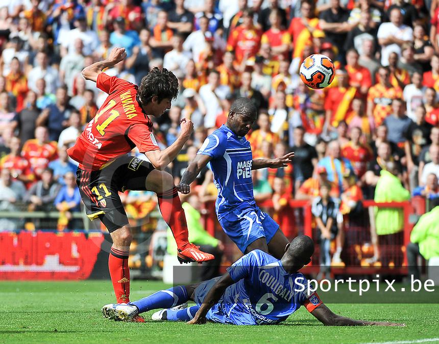 RC Lens - AJ Auxerre : Pablo Chavarria scores the 4-1 for Lens (left)<br /> foto David Catry / nikonpro.be
