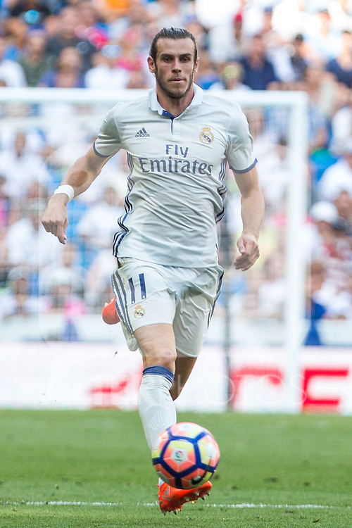 Real Madrid's Garet Bale during the match of La Liga between Real Madrid and Club Atletico Osasuna at Santiago Bernabeu Estadium in Madrid. September 10, 2016. (ALTERPHOTOS/Rodrigo Jimenez)