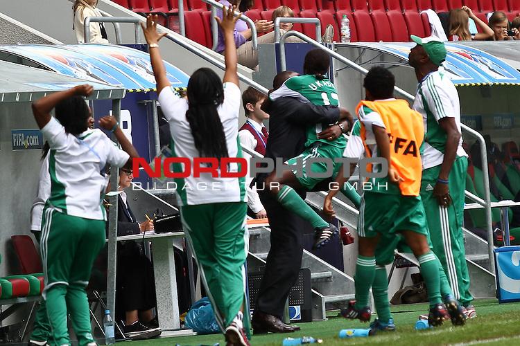 25.07.2010,  Augsburg, GER, FIFA U20 Womens Worldcup, , Viertelfinale, USA vs Nigeria,  im Bild  Freude nach dem 1-1 durch Helen UKAONU (Nigeria #17) , Foto: nph /  Straubmeier