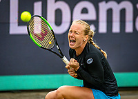 Den Bosch, Netherlands, 12 June, 2018, Tennis, Libema Open, Kiki Bertens (NED) jubilates, she wins a hard battle against Vikhlyantseva (RUS)<br /> Photo: Henk Koster/tennisimages.com