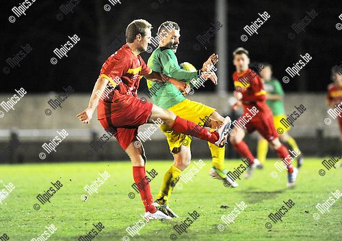 2013-02-02 / Voetbal / seizoen 2012-2013 / Sint-Lenaarts - Duffel / Anthony Dooms (l. Duffel) met Joris Jaspers..Foto: Mpics.be