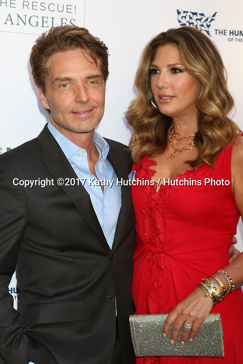 LOS ANGELES - APR 22:  Richard Marx, Daisy Fuentes at the 2017 The Humane Society Gala at Parmount Studios on April 22, 2017 in Los Angeles, CA