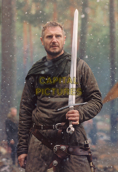 LIAM NEESON.in Kingdom of Heaven.*Editorial Use Only*.www.capitalpictures.com.sales@capitalpictures.com.Supplied by Capital Pictures.