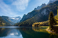 Austria, Upper Austria, Salzkammergut, Gosau: Gosau Lake and Dachstein mountains with Great Gosau Glacier | Oesterreich, Oberoesterreich, Salzkammergut, Gosau: vorderer Gosausee vorm Dachsteingebirge mit dem Grossen Gosaugletscher