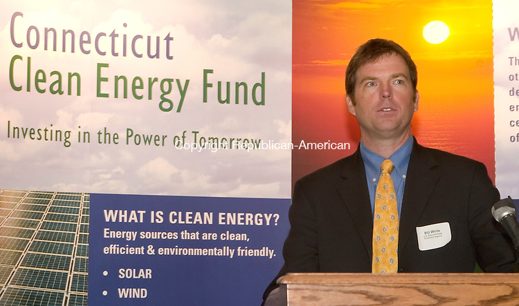 WATERBURY, CT -  20 SEPT 2005 -  092005JT08-- <br /> In front of a backdrop illustrating a clean environment, Bill White, of the Environmental Protection Agency, speaks at the &quot;Energy Solutions for your Organization&quot; workshop, hosted by the Connecitucut Clean Energy Fund and the Connecticut Energy Efficiency Fund at the Courtyard Marriott Wednesday. <br /> Josalee Thrift / Republican-American