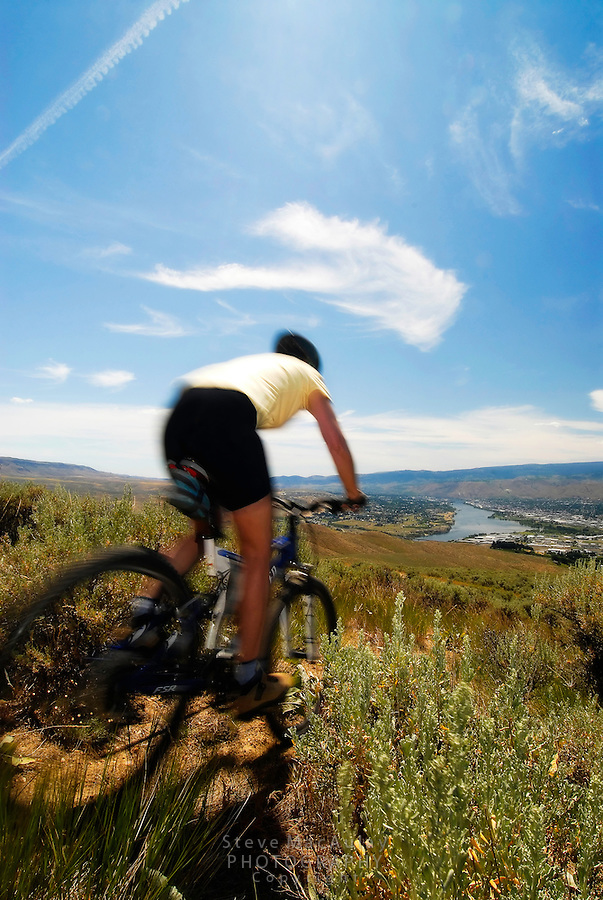 Mountain biking in the hills above the Columbia River at Wenatchee, WA.