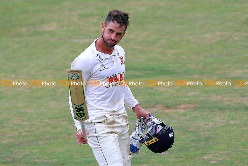 Ryan ten Doeschate of Essex leaves the field having scored 109 not out during Essex CCC vs Worcestershire CCC, Specsavers County Championship Division 2 Cricket at the Essex County Ground on 2nd September 2016