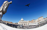 Papa Francesco celebra la messa della Domenica delle Palme in Piazza San Pietro, Citta' del Vaticano, 29 marzo 2015.<br /> A bird overflies St. Peter's Square during a Palm Sunday mass celebrated by Pope Francis, at the Vatican, 29 March 2015.<br /> UPDATE IMAGES PRESS/Isabella Bonotto<br /> <br /> STRICTLY ONLY FOR EDITORIAL USE