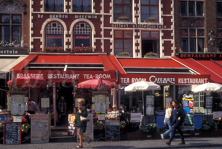 outdoor café, Brugge, Belgium, Bruges, West-Vlaanderen, Europe, Cafés and restaurants along the Markt in downtown Bruges.