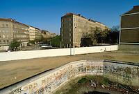- the Berlin Wall ....- il Muro di Berlino