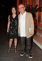 SAO PAULO, SP, 09 DE MARCO 2012. ANIVERSARIO MARIANA WEICKERT. O apresentador Marcelo Tas com a esposa Bel Kowarik, em noite de comemoracao ao aniversario de Mariana Weickert, na CASA PANAMERICANA, no bairro de Pinheiros, regiao oeste de SP, na noite desta sexta-feira, 09. (FOTO: MILENE CARDOSO - BRAZIL PHOTO PRESS