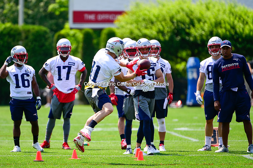 June 13, 2017: New England Patriots wide receiver Julian Edelman (11) makes a catch during a drill at the New England Patriots organized team activity held on the practice field at Gillette Stadium, in Foxborough, Massachusetts. Eric Canha/CSM