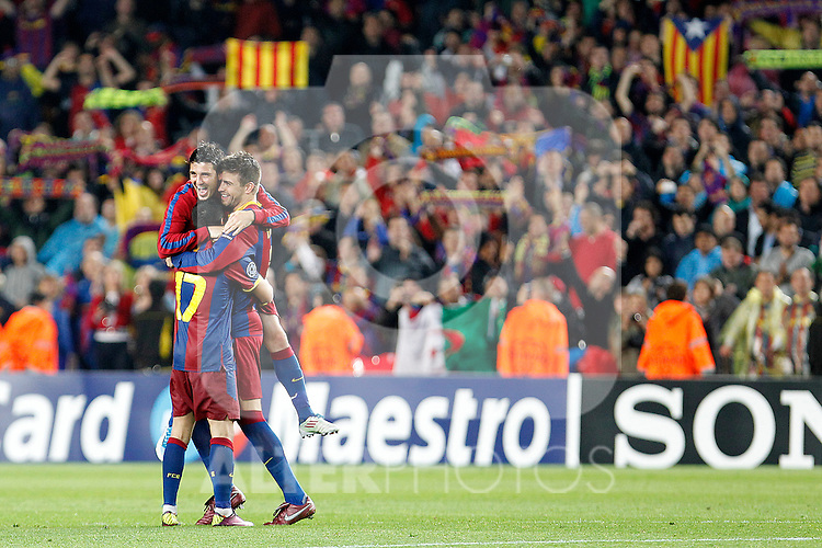 FC Barcelona's Pedro Rodriguez, David Villa and Gerard Pique celebrate the victory in the UEFA Champions League Semifinal match.May 3,2011.(ALTERPHOTOS/Acero)